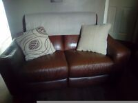 2 leather sofas £10 each