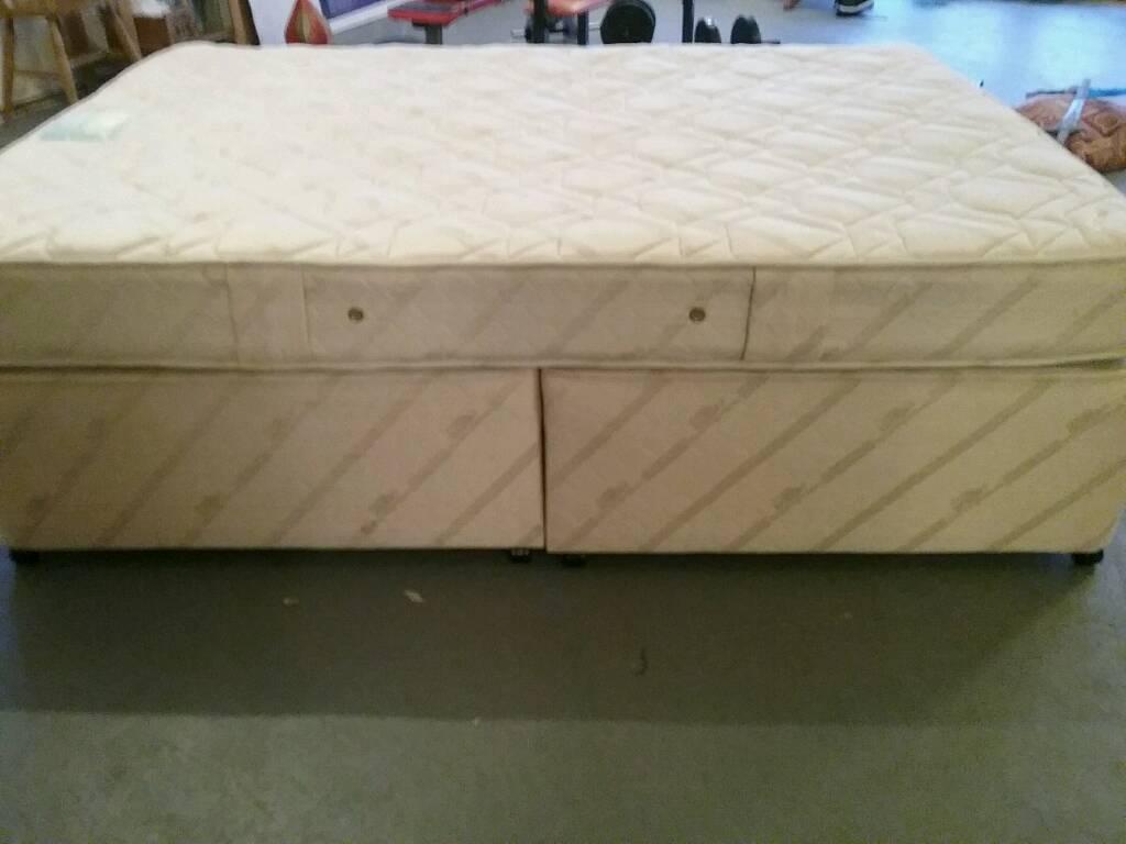 Double divan bed in excellent condition