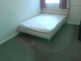 Lovely Small, Double Room Available - £340pcm!!!