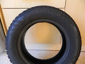 Pair of 165/70 R14 81T winter tyres
