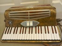 Orfeo Piano accordion for sale £90 good condition,plays well,made in Italy