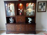 Dresser/display unit