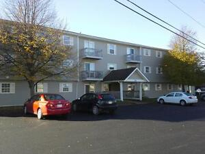 SPACIOUS 2BR $725 H/HW/STORAGE/BALCONY/SECURITY BUILDING