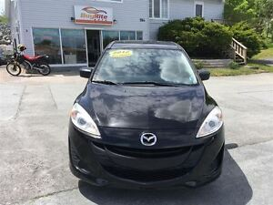 2012 Mazda MAZDA5 economical minivan with A/C