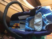 Car seat new born-9 months.
