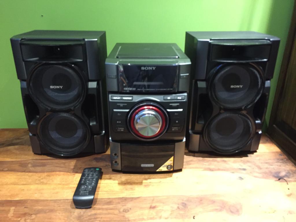 sony hi fi sound system good quality crisp deep sound. Black Bedroom Furniture Sets. Home Design Ideas