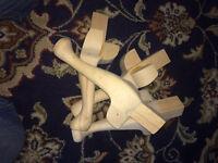 "4 x 9"" chesterfield type hardwood legs."
