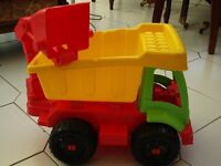 Childs toy dumper truck, great condition