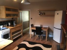 Double room to let - Lovely 4 bed professional house share - Lincoln city centre - All inclusive