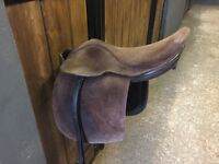 Fylde Show Saddle, Brown Suede. Suitable for 12h or 12.2 pony.