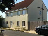 ***RENOVATED ROOMS TO RENT IN HARWICH WITH OUTDOOR SWIMMING POOL! - (SHORT DRIVE TO ESSEX UNI)***
