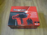 Snap on 14-4v 3/8 Latest Edition Cordless MicroLithium Impact Gun CTU-761A