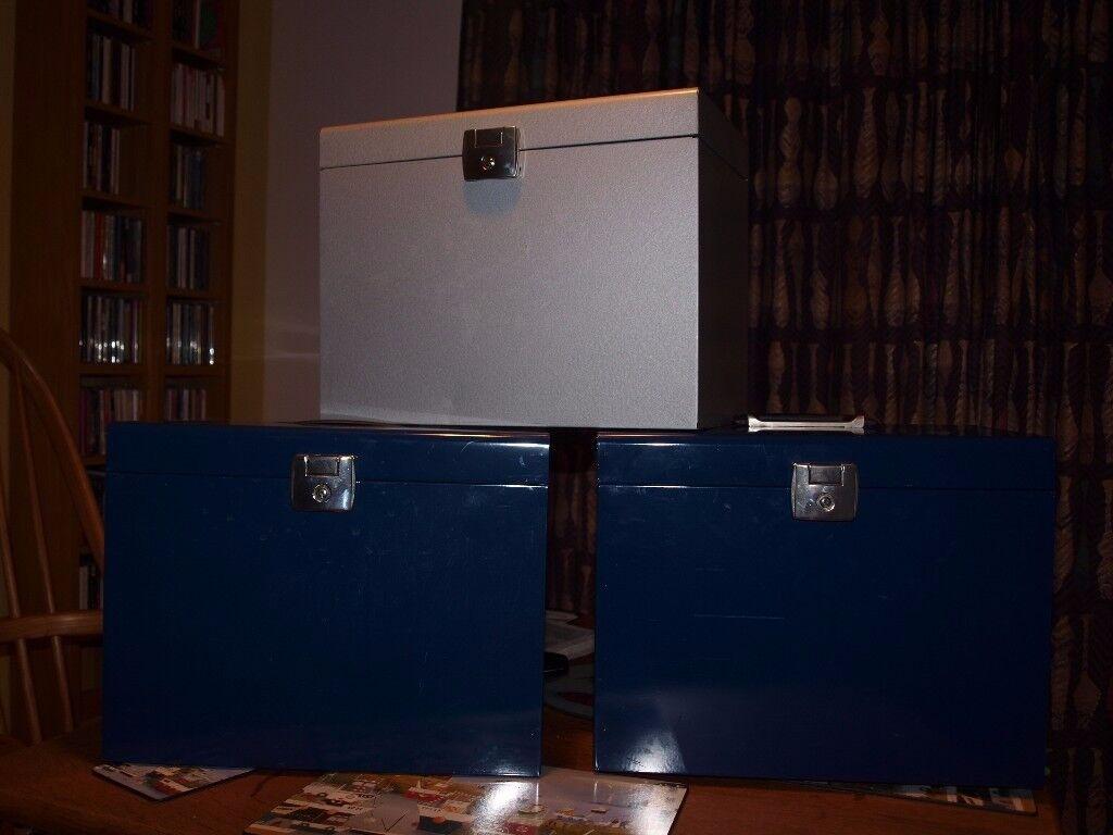 metal file boxes x 3 (2 keys, 20 suspension files)