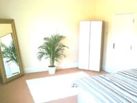 ****Affluent Peaceful Road - Stones throw to City Links****