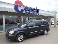 2014 Chrysler Town & Country Touring - 27,469 KMs, FWD System