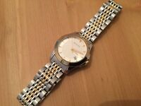 Gucci G - Timeless Ladies Gold Plated Watch
