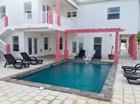 4-bedroom luxury property with pool and 2 apartments in St. Kitts (Caribbean)