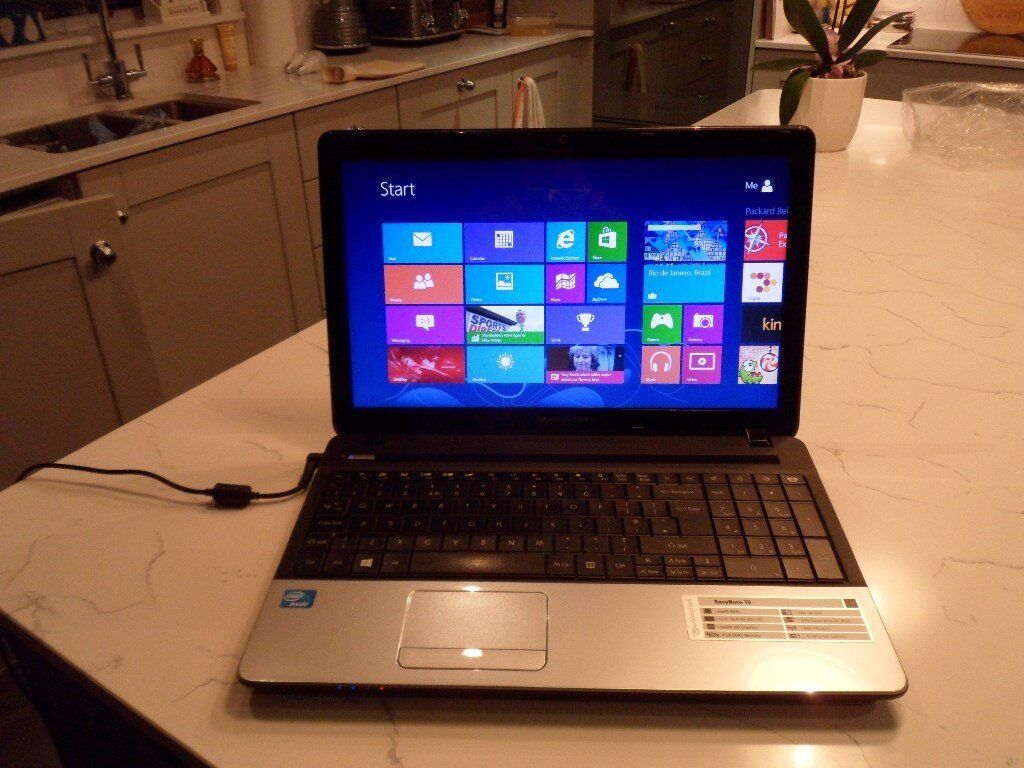 packard bell easynote te laptop black silver as new with adaptor and carry case in county. Black Bedroom Furniture Sets. Home Design Ideas