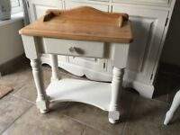 Pine painted side / Lamp / Bedside table