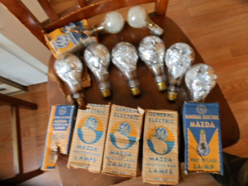 Vintage  Flash Bulbs  6 LARGE  2 MEDIUM. !!!!!!