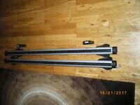 thule roof rack 125cm with 4 end stops good condition