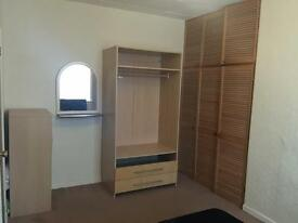 WALK TO CITYCENTR LUXURY TRIPLE LARGE KINGSIZE ROOM AVAILABLE BILLS INCLUDED