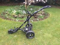 POWERBUG SPORT ELECTRIC GOLF TROLLEY, FREE COMPLETE SET OF CALLAWAY CLUBS!