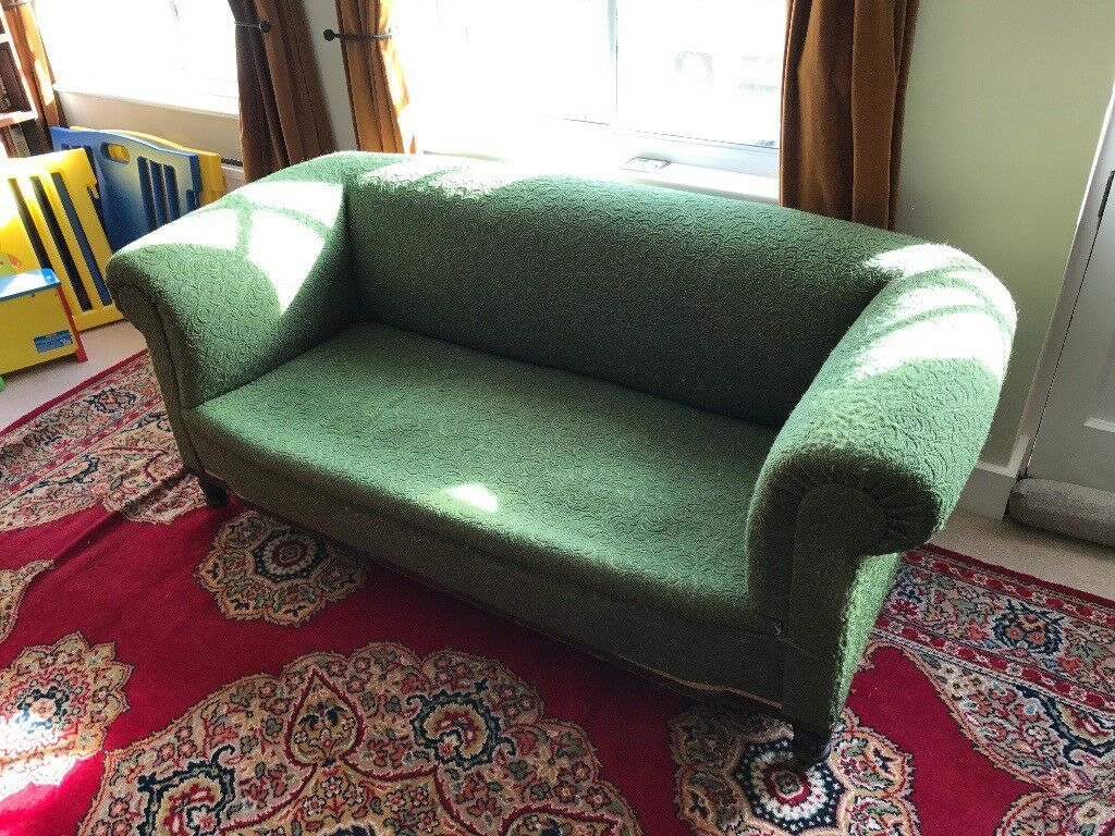 Late Victorian Early Edwardian Chesterfield Sofa In Cambridge