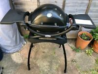 Fabulous Weber Q1200 Gas BBQ AS NEW with stand and canisters