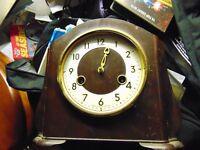 bakerlite clock/1940s.needs repair