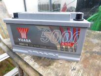 CAR BATTERY YUASA 12 v 800 amp AS NEW CONDITION COST £120