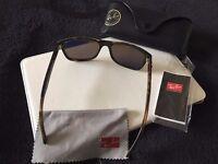 Ray Ban Wayfarer POLARIZED sunglasses. Unisex style.