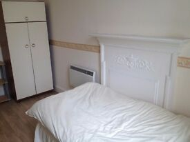 BEAUTIFUL FURNISHED ROOM AVAILABLE!!