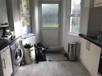 A Fantastic Lareg Two Double bedroom Apartment With HUGE GARDEN