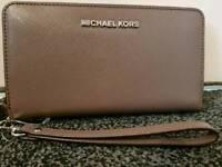 Michael Kors hand wrist purse