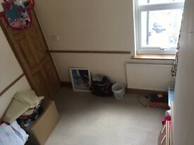 Double room to rent in house with 1 other person