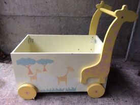 Giraffe toy storage trunk