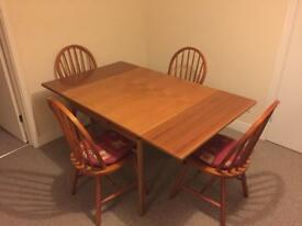 Solid pine wood dining room table & 4 chairs