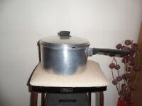 LARGE SOUP PAN/CASSEROLE POT