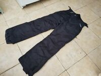 Surfanic snow ski trousers Size Medium only used once like new