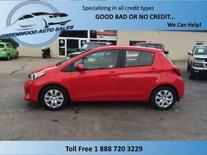 2015 Toyota Yaris LE! AUTO! LIKE NEW! FINANCE NOW!