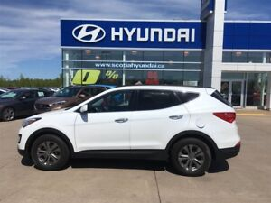 2014 Hyundai Santa Fe Sport AWD Heated seats, bluetooth