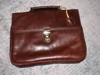 Leonhard Heydon mens brown leather bag. great quality by renown German manufacturer.