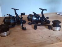 Shimano DL 6000 RA reels & Maver Abyss carp rods x2