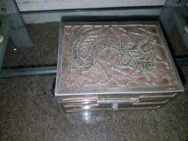 yeehwa 19th century swatow trinket box