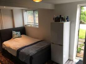 Studio Flat To Rent in High Wycombe