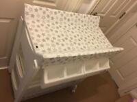 Baby bath +changing table &Angelcare baby bath support&Baby seat & breastfeeding all like New