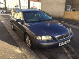 VOLVO V70 2.4,DIESEL, AUTOMATIC,HEATED SEATS, FULL SERVICE HISTORY,EXELENT CONDITIONS