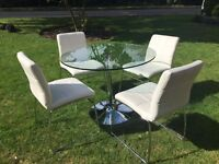 Dining table - Glass x 4 chairs