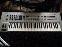 Yamaha CS6x Synthesizer keyboard